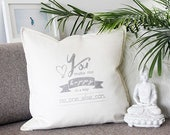Throw pillow with love declaration, handprinted. Unique gift for Valentine, an anniversary, a birthday or simply show your love,…