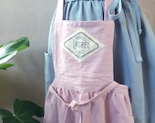 Custom linen apron with handprinted name, cottage chic vintage style! A prefect gift for a birthdays, for mum, granny, daughter