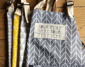 Your words here apron, with your own handprinted text or quote! A prefect gift for birthdays, retirement, a housewarming or as a love gift.