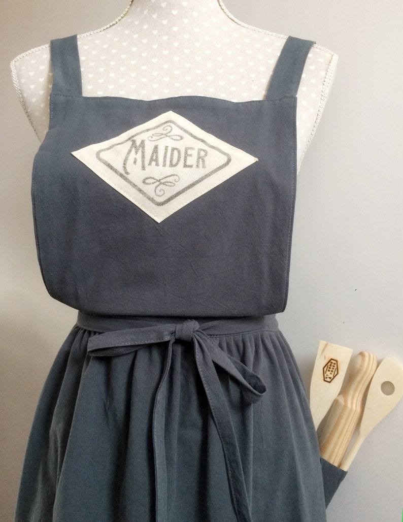 Custom linen apron with handprinted name in vintage graphic A image 0