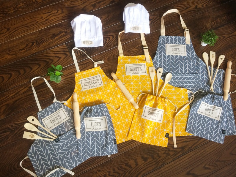 Children custom apron and baking set for the whole familyFor image 0