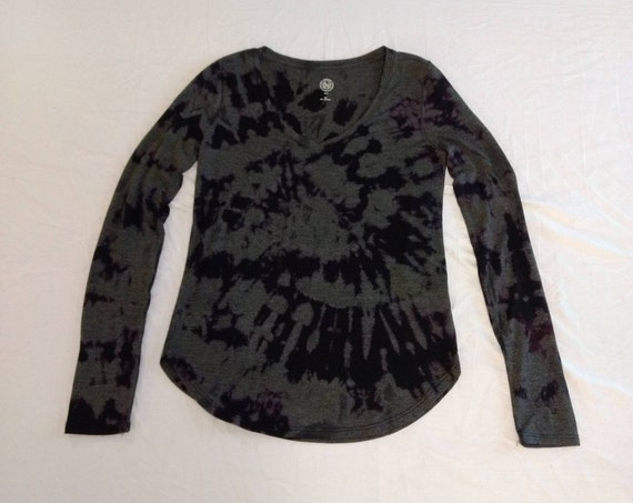 Reverse Tie Dyed Black Long Sleeve Women's XX Small Shirt/V Neck/Spiral
