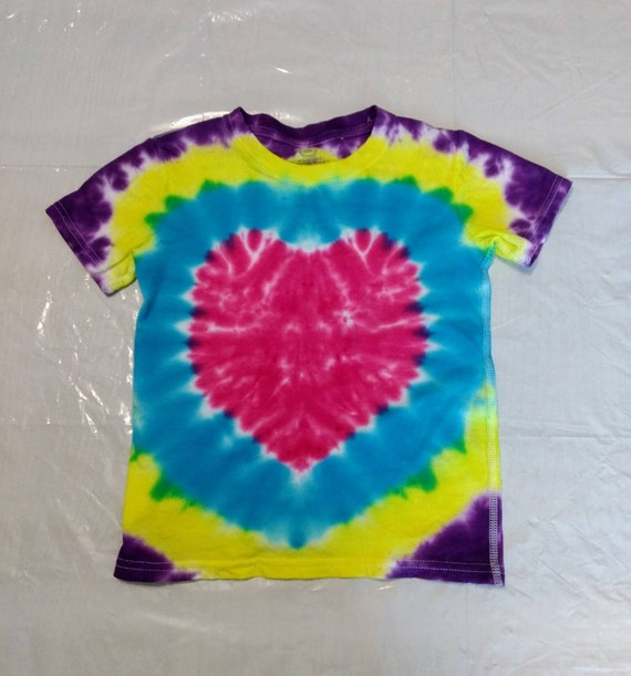 Childrens Pink Heart Tie Dyed Size 4T-5T T-shirt