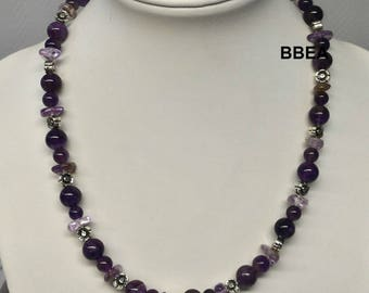 Wellness Amethyst necklace and beaded flowers