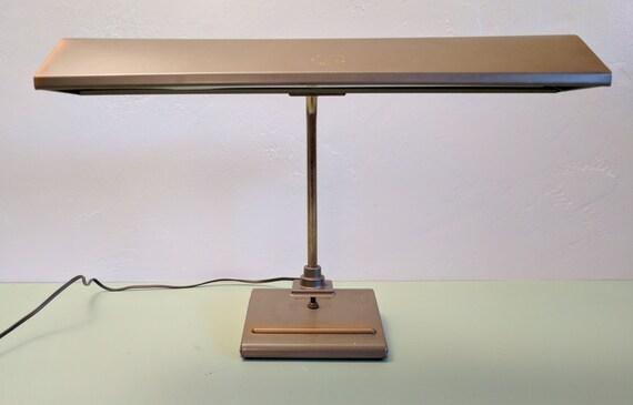 Superieur SIGHTMASTER Mid Century Industrial Fluorescent Desk Lamp, 1950s