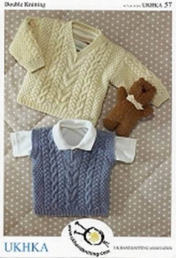 Baby Chunky Knitting Pattern Cabled Sweater Jumpe Slipover /& Hat UKHKA 174