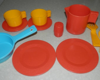 Cups, Dishes & Utensils Fisher Price Plastic Kids Divided Dish 1990