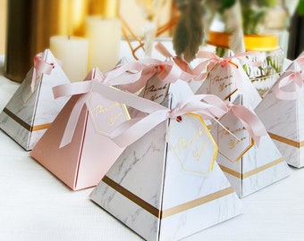 50Pcs Creative Marble Pattern Triangular Pyramid Wedding Favors Candy Boxes Party Gift Box Bomboniera Giveaways Boxes