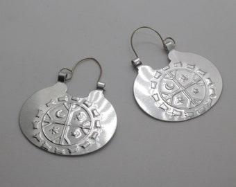 bd89279b5 Large Mapuche nickel silver earrings with embossed Kultrum (oval)