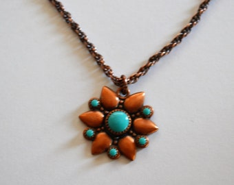 Vintage Copper Flower Necklace Small Sunflower Starburst Pendant with Faux Turquoise Stones 70's Retro Necklace Fold Over Clasp