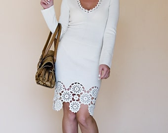 Knitted dress with crochet 4342