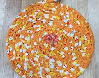 9-14 Autumn Spiral Wrap Coil Trivet Orange Yellow Red Green mums flowers gourds pumpkins dried corn hot pad potholder