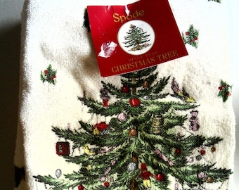 Spode Christmas tree pattern kitchen towel and hot pad set