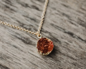 9f13433c07 Goldkette mit rotem Quarz Anhänger, Halskette, Rot, 45 cm, Goldkette,  Bohokette, Gold, nickelfrei