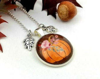 Necklace with pumpkin motif, cabochon jewelry, pendant leaf and toadstool, jewelry for fairies and elves, delicate sweater necklace