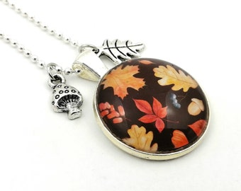 Necklace leaf motif, woodland motif jewelry, ball chain with pendant leaf and toadstool, colorful foliage, long sweater necklace