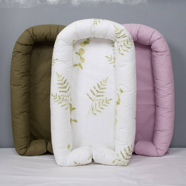 Newborn or Toddler size Nest with Removable cover leaves image 0