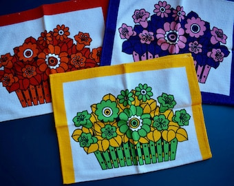 Kitchen linen, kitchen towels, towel, cloth, terry, flowers, Flower power, 70s, Midcentury