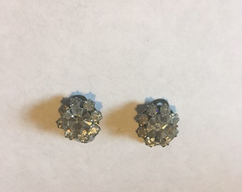 Vintage Clip On Earrings vr1038