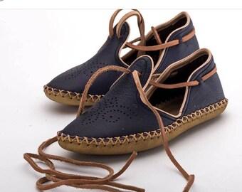 8ef5a22d969bb Red boho sandals | Etsy
