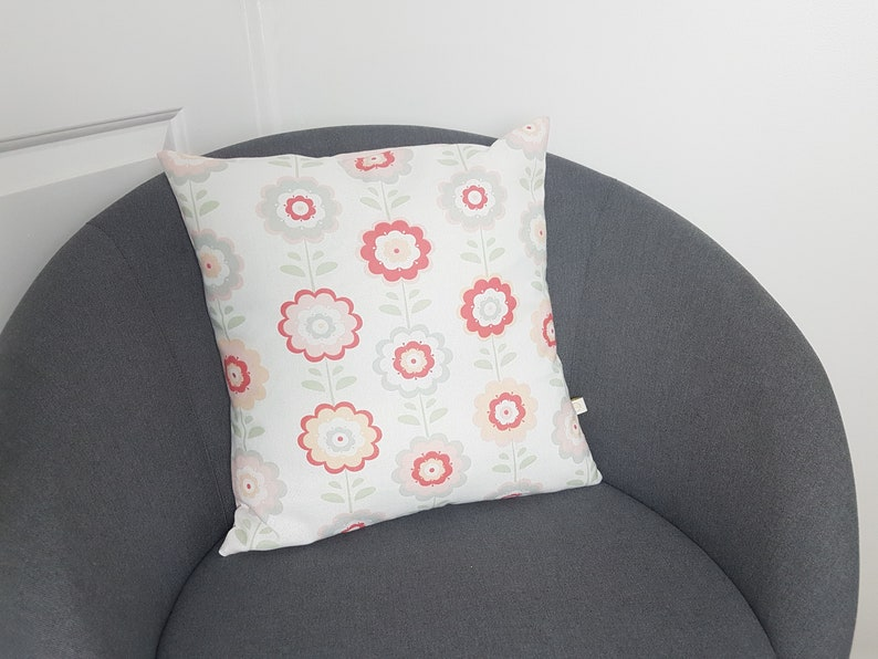 Cushion cover with vintage flower print 100% cotton with image 0
