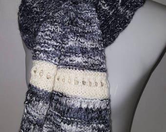 e0572ad6745041 Schal Loop Tuch Stola weiss grau schwarz Weihnachts Geschenk Frauen Unisex  gestrickt Unikat handgemacht