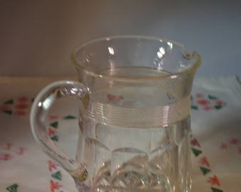 Stylish glass jug/pitcher /pressed glass 1930s superb gift ships worldwide