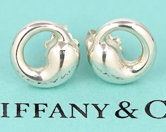 LIKE NEW!  Beautiful and Classic Tiffany & Co. Sterling Silver Eternal Circle Stud Earrings