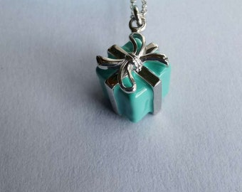 """LIKE NEW!!! GORGEOUS Tiffany & Co.  Sterling Silver and Blue Enamel Mini Gift Box Pendant on a 16"""" Tiffany Chain"""