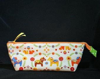 Dala Horse Triangle Zip Bag