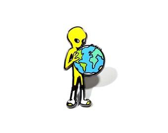 Alien pin (lime green)