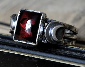 Handmade Indian Garnet and Moon Sterling Silver Ring - UK Size Q (US Size 8)