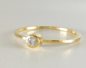 White diamond ring,18k diamond engagement ring,Solitaire diamond ring,0.1 Carat Round Diamond ring,18k Solid Gold simple ring,18k stack ring