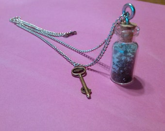 """16"""" Sand in a bottle Necklace"""
