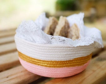 Small size rope vessel pink and gold