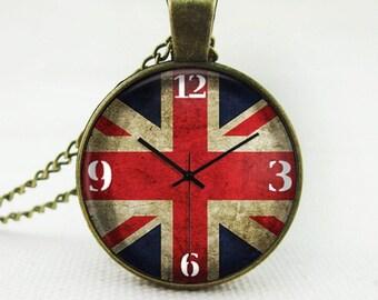Britain Pendant Necklace Vintage