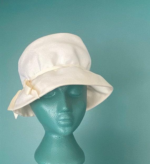 White Vintage 60s Womens Bucket Hat Women Wide Bri