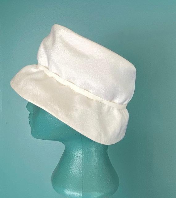 White Vintage 60s Womens Bucket Hat Women Wide Br… - image 4