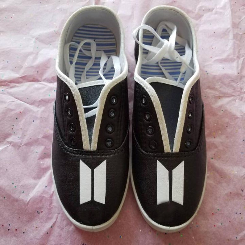 0101681057549 Bangtan BTS kpop *hand painted* Shoes