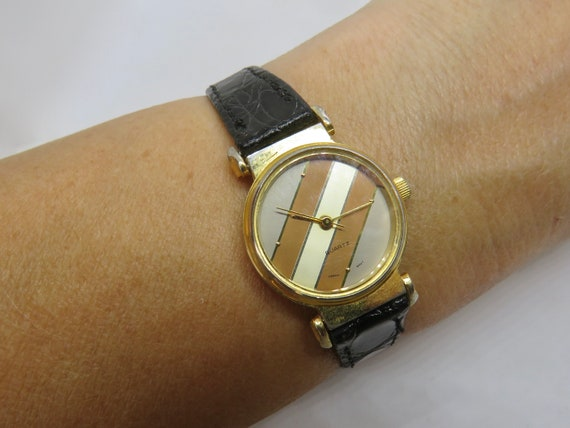 vintage watch / classic ladies Watch / gold watch