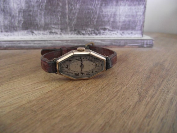 vintage mechanical ladies watch / Jewels Watch / v