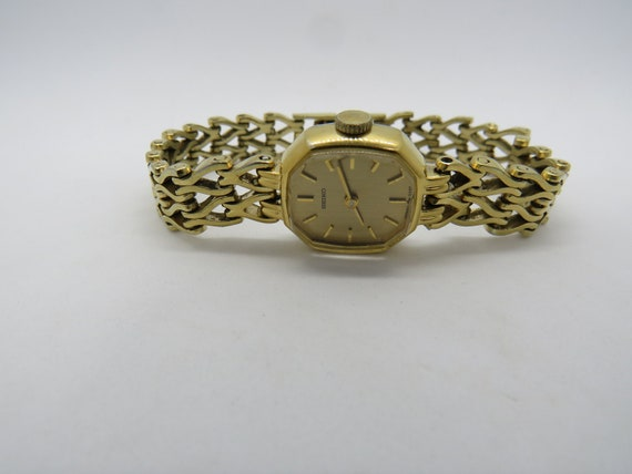 vintage mechanical Seiko ladies watch /  jewels Wa