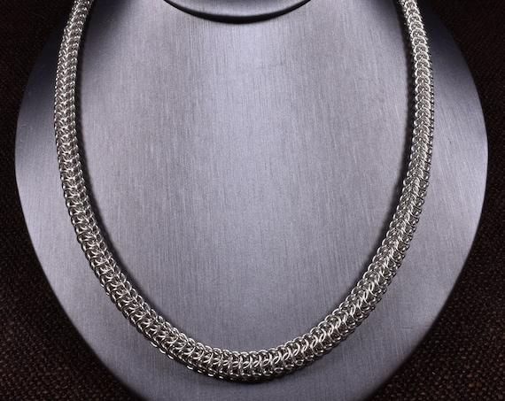 Dragonspine Necklace