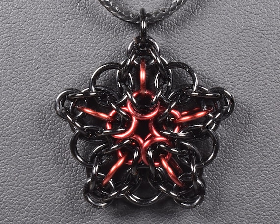 Celtic Star Chainmail Pendant - Black & Burgundy