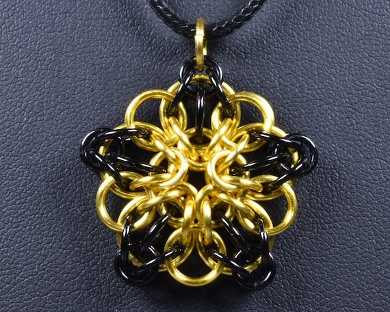 Celtic Star Chainmail Pendant - Black & Yellow