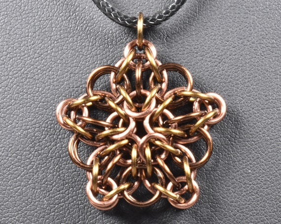 Celtic Star Chainmail Pendant - Tabby (Mixed Browns)