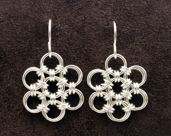 Hana Gusari Snowflake Chainmail Earrings - Sterling Silver