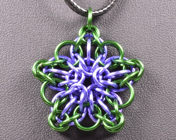 Celtic Star Chainmail Pendant - Green & Lavender