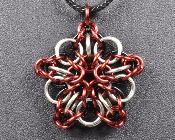 Celtic Star Chainmail Pendant - Burgundy & Titanium
