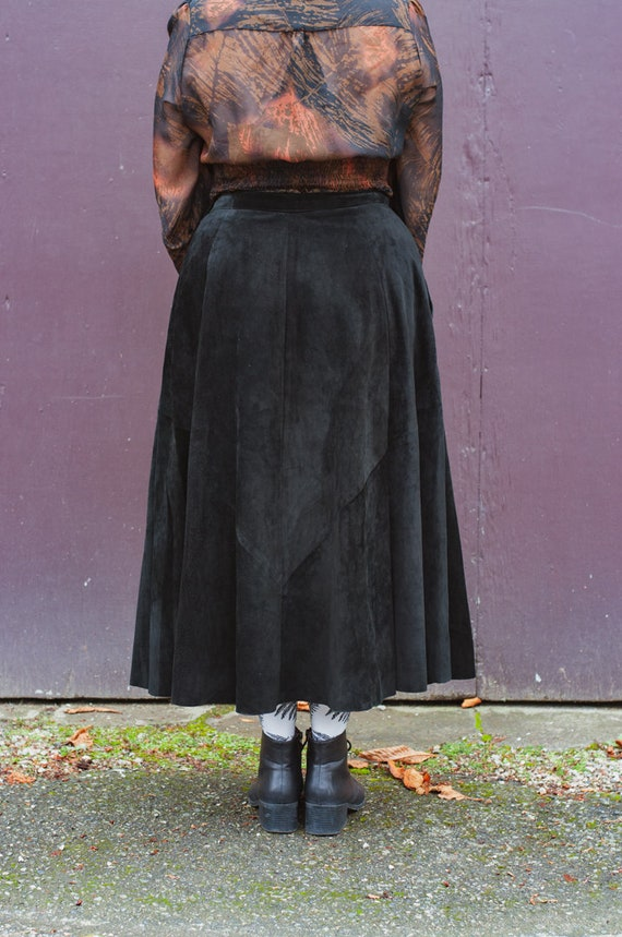 Danier Full Length Black Suede Leather Full Skirt… - image 5